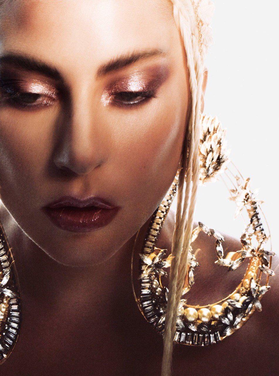 Lady Gaga Allure 6