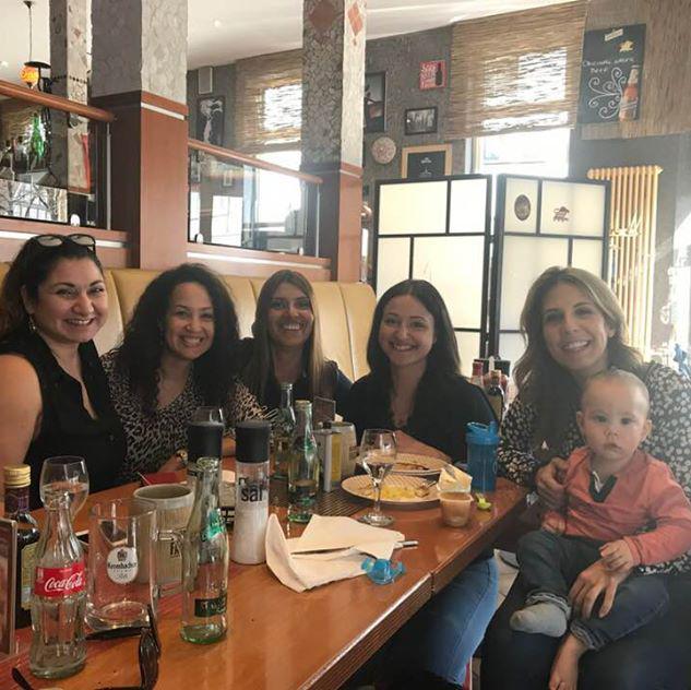 amigas latinas