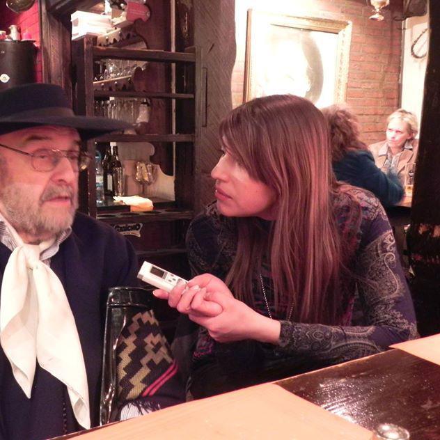 entrevistando a Carlos Santillán en Colonia